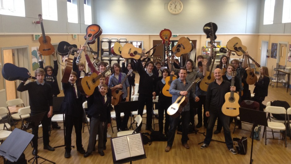 Internationally Renowned Guitar Duo visit Frome School Children